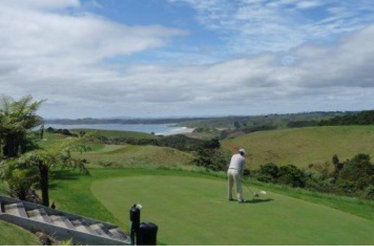 Bay of Islands Golf Tour for Groups (8 days)